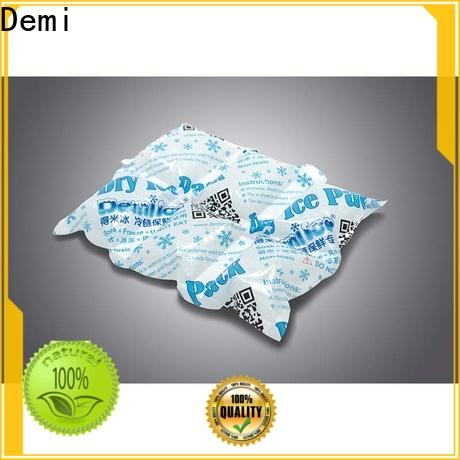 Demi pack ice blankets to absorb excess water for food